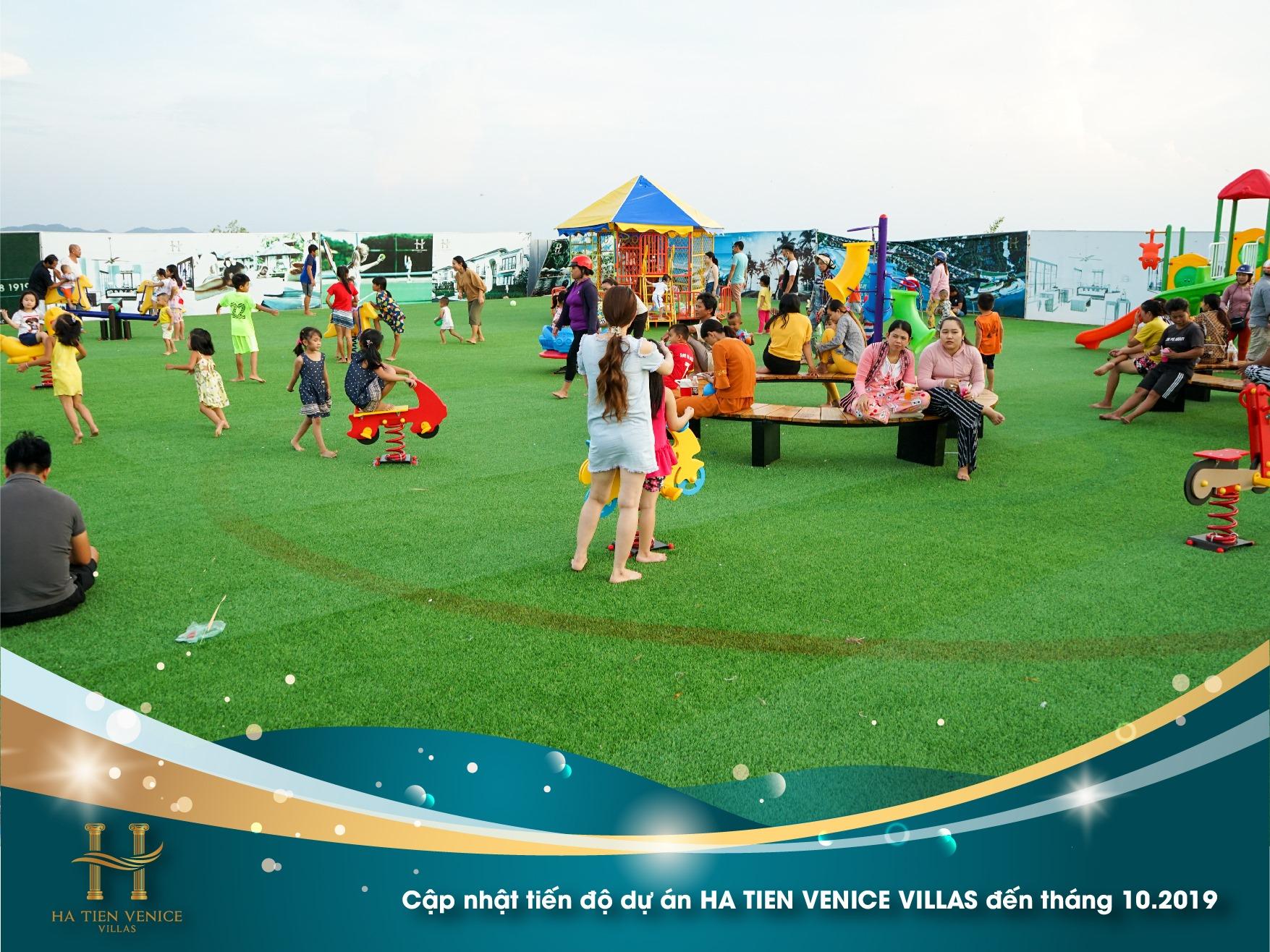 Khu vui chơi trẻ em luôn tấp nập mỗi buổi chiều